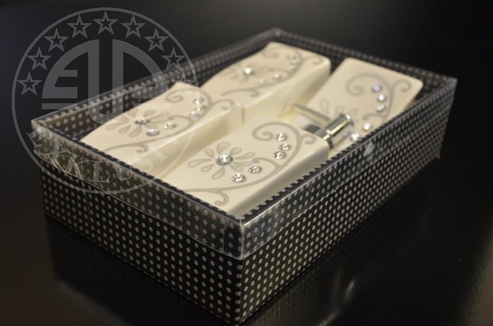 bad accessoire set 4 tlg aus porzellan euro price talay. Black Bedroom Furniture Sets. Home Design Ideas